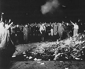 Buecherverbrennung_Nazi-Deutschland_1933
