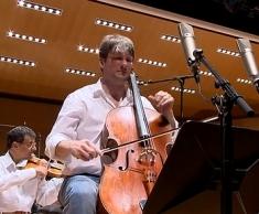 «Irrsinnige Spielfreude»: Solo-Cellist Jérôme Pernoo