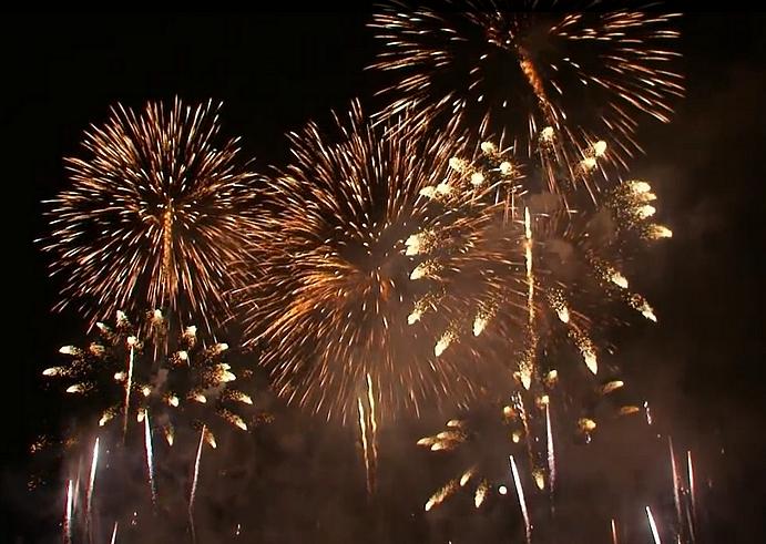 Neujahrsgruss 2015 - Silvester 2014 - Feuerwerk - Glarean Magazin